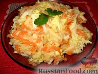 Салат из нежной, сочной пекинской капусты, моркови и яблок - быстрый в приготовлении и очень полезный...