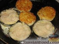 Фото приготовления рецепта: Картофельно-рыбные оладьи - шаг №2