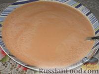 Фото приготовления рецепта: Томатные блинчики с тунцом - шаг №2
