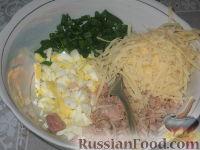 Фото приготовления рецепта: Томатные блинчики с тунцом - шаг №3