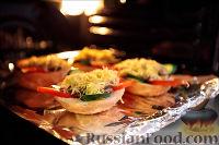 Фото приготовления рецепта: Холостяцкий ужин № 9. Горячие бутерброды с грибами под сыром - шаг №8