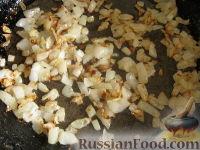 Фото приготовления рецепта: Начинка для пирожков из курицы и грибов - шаг №3