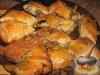 Фото к рецепту: Дрожжевые рулеты с мясом и грибами