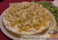 Фото приготовления рецепта: Бисквитный торт с зефиром и фруктами - шаг №2