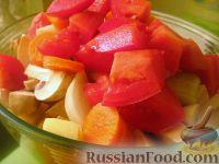 Фото приготовления рецепта: Картофель с овощами в рукаве - шаг №6