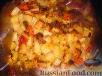 Фото приготовления рецепта: Картофель с овощами в рукаве - шаг №9
