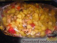 Фото приготовления рецепта: Картофель с овощами в рукаве - шаг №8