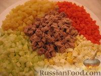 Фото приготовления рецепта: Оливье с индейкой и каперсами - шаг №2