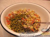 Фото приготовления рецепта: Оливье с индейкой и каперсами - шаг №3