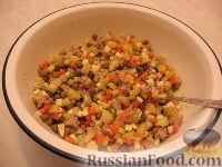 Фото приготовления рецепта: Оливье с индейкой и каперсами - шаг №4
