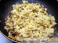 Фото приготовления рецепта: Каша пшенная с грибами - шаг №7
