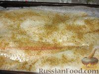"""Фото приготовления рецепта: Рыба, запеченная под """"шубой"""" - шаг №2"""