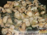 Фото приготовления рецепта: Солянка из капусты с грибами - шаг №6