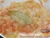 Фото приготовления рецепта: Солянка из капусты с грибами - шаг №11