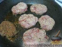 Фото приготовления рецепта: Пышные печеночные котлеты - шаг №9