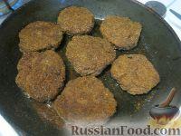 Фото приготовления рецепта: Пышные печеночные котлеты - шаг №10