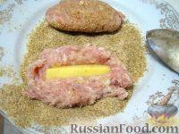 Фото приготовления рецепта: Котлеты куриные а-ля «Пожарские» с сыром - шаг №8
