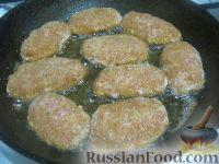 Фото приготовления рецепта: Котлеты куриные а-ля «Пожарские» с сыром - шаг №9