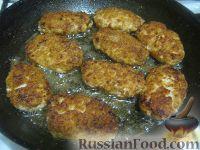 Фото приготовления рецепта: Котлеты куриные а-ля «Пожарские» с сыром - шаг №10