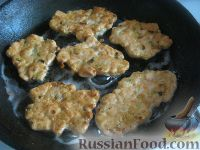Фото приготовления рецепта: Куриные котлеты по-французски - шаг №8