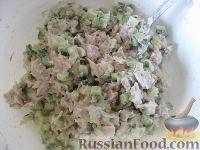"""Фото приготовления рецепта: Новогодний салат """"Лошадка"""" - шаг №12"""