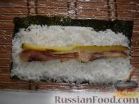 Фото приготовления рецепта: Суши по-домашнему - шаг №3