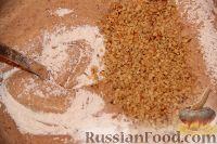 Фото приготовления рецепта: Новогодний торт «Полночь» - шаг №6