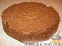 Фото приготовления рецепта: Новогодний торт «Полночь» - шаг №8
