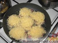 Фото приготовления рецепта: Свиные отбивные, запеченные под ананасами и сыром - шаг №5